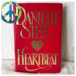 2/$12 Danielle Steel Novel HEARTBEAT